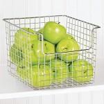mDesign Allzweckkorb aus Metall – flexibler Aufbewahrungskorb für die Küche Vorratskammer etc. – universeller Drahtkorb mit rostbeständiger Beschichtung – silberfarben